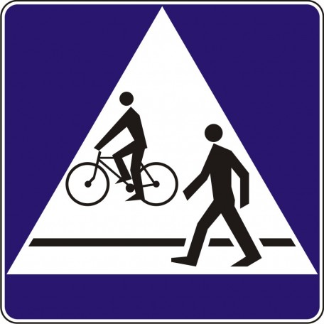 Pedestriand and bike crossing